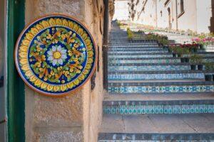 Caltagirone, la città della ceramica e dei 100 Presepi